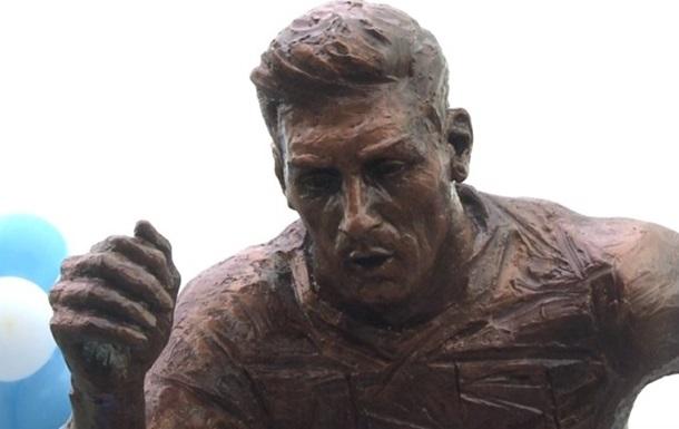 У Буенос-Айресі поставили статую Мессі