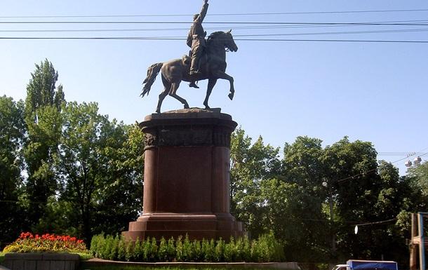 Правый сектор хочет снести известный памятник Щорсу в Киеве