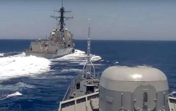 Сближение кораблей США и России: версия Пентагона