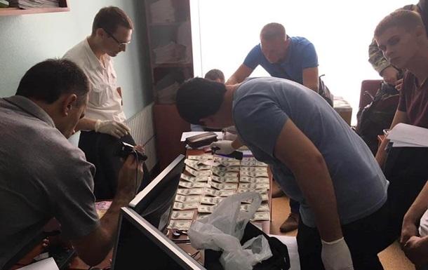 В Харькове задержали двух крупных чиновников