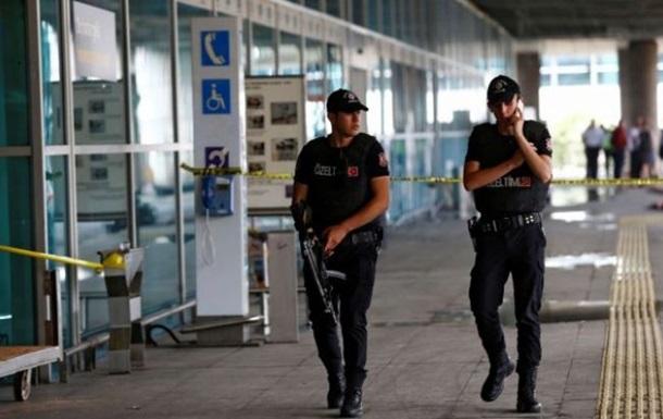 У Туреччині затримані ще троє підозрюваних у теракті в Стамбулі