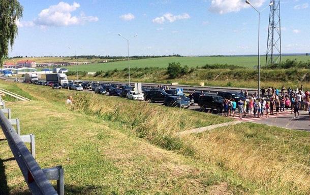 На границе с Польшей разблокировали один пункт пропуска