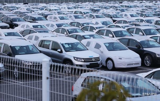 Порошенко подписал закон о закупке  бывших вупотреблении машин
