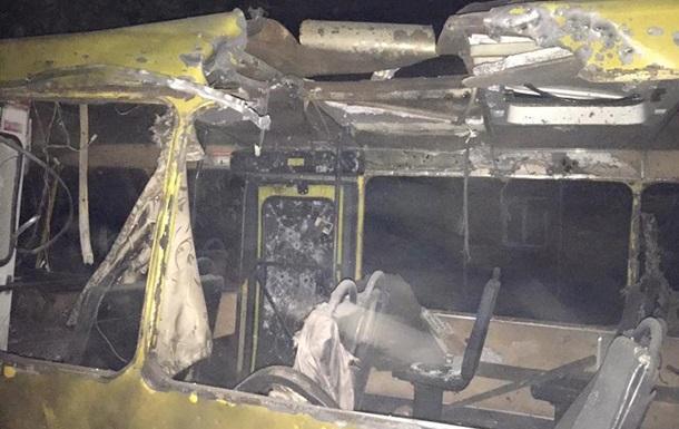 Обстрел Донецка: попадания в дома и автобус
