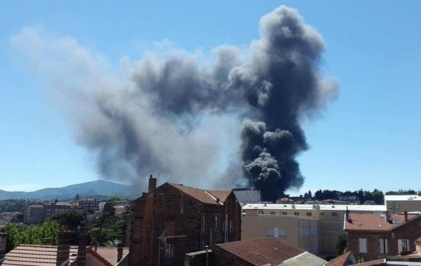 У Франції прогриміли два вибухи в госпіталі