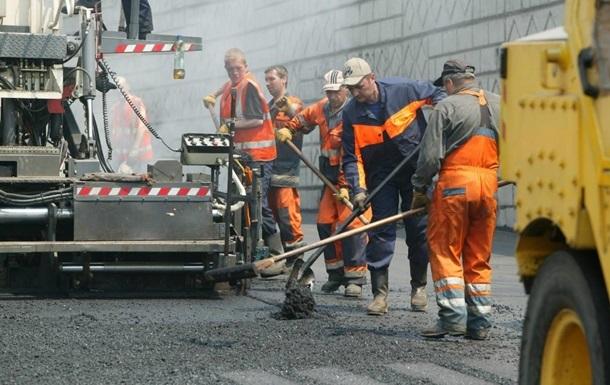 В Киеве запретили ремонтировать дороги днем