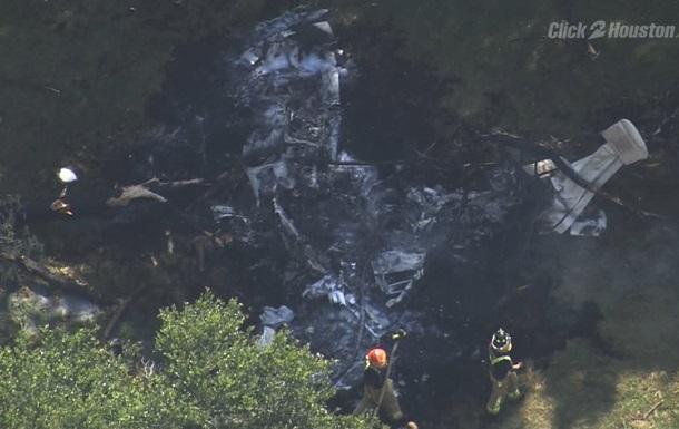 В США разбился одномоторный самолет: погибли четыре человека