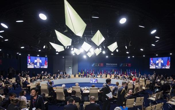 НАТО осудило военное присутствие России в Крыму