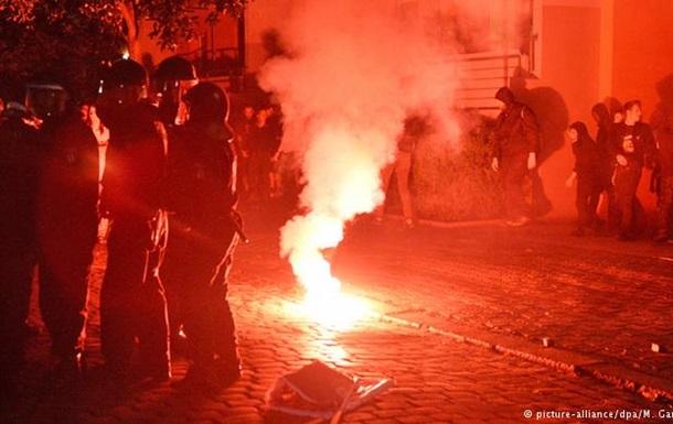 Акция левых радикалов в Берлине переросла в столкновения