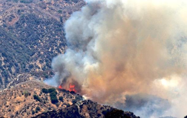 В США из-за лесного пожара эвакуировали сотни людей