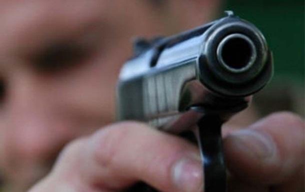 На Луганщине глава райсовета устроил стрельбу