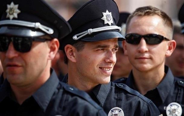 В Киеве не могут начать новый набор в полицию