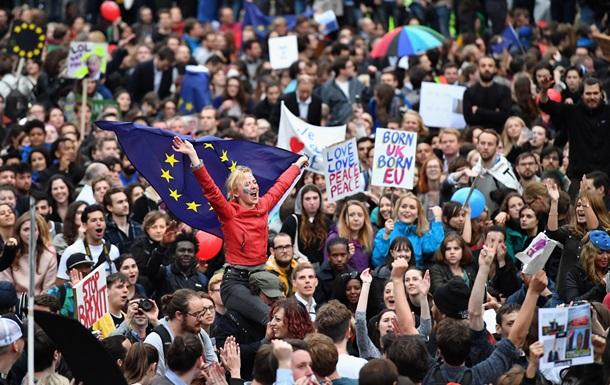 Британия рассмотрит петицию о втором референдуме