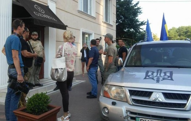 В одесском отеле заблокировали польских политиков