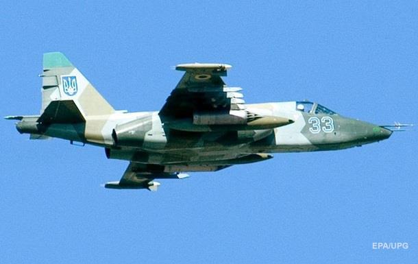 В Хмельницкой области Су-25 загорелся в воздухе
