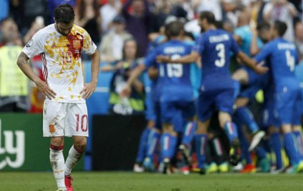 Провалил Евро - отдыхай: Фабрегас загорает на Ибице