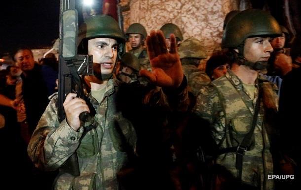 13 сторонников военного переворота задержаны в Турции
