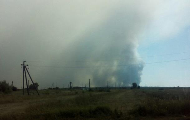На полигоне под Черниговом вторые сутки тушат пожар