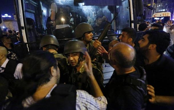 В Турции уволили почти три тысячи судей