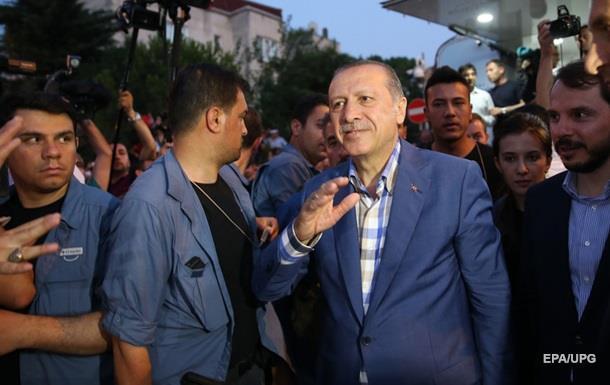 Гюлен: Путч в Турции мог быть инсценировкой