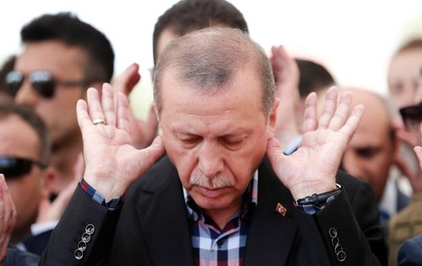 У Туреччині затримали військового радника Ердогана