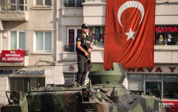 Военный переворот в Турции закончился неудачей мятежников