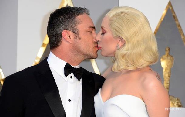Леди Гага заявила о расставании с женихом