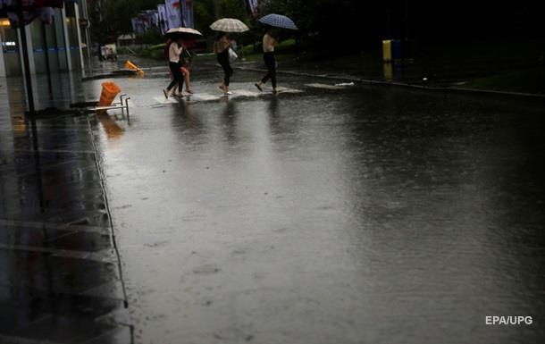 В Пекине объявлен  оранжевый  уровень опасности из-за ливней