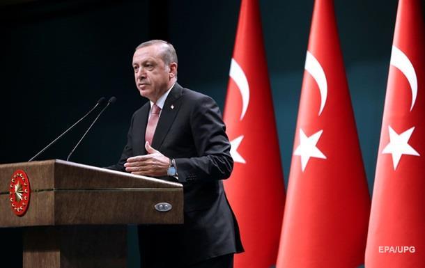 Эрдоган ввел в Турции чрезвычайное положение