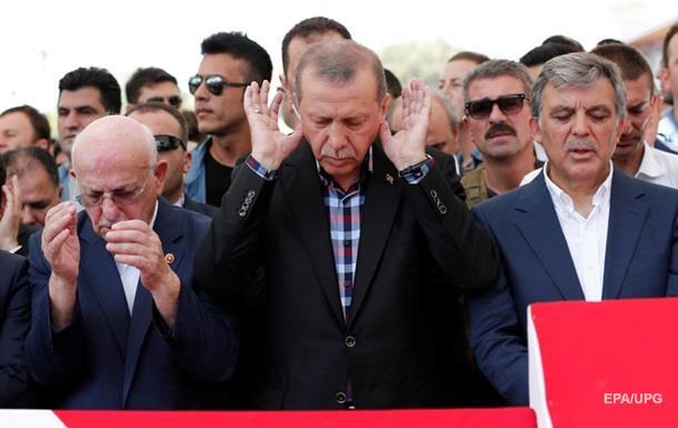 Россия предупреждала Эрдогана о перевороте – СМИ