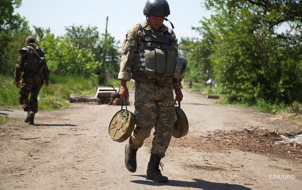 Бои в Марьинке: погиб украинский военный