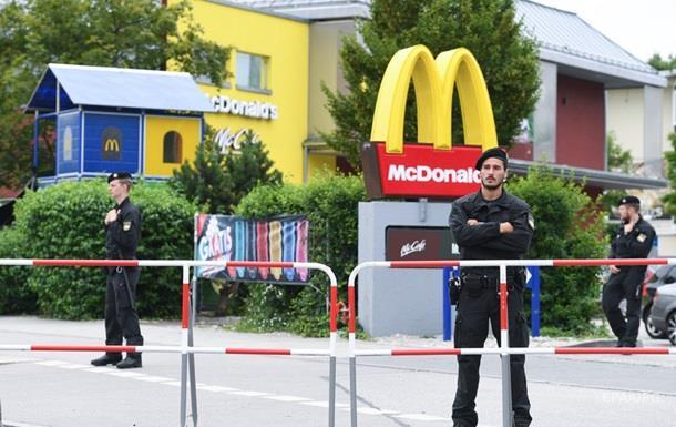 Мюнхен: национальности погибших и стрелка фото