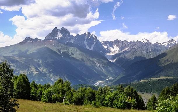 В горах Грузии нашли тело погибшего альпиниста из Украины