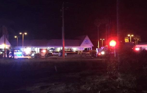 Стрельба в ночном клубе Флориды: есть жертвы