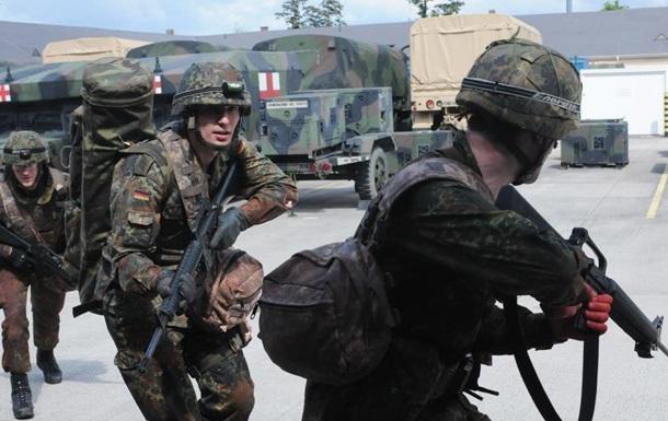 Беженцам предлагают вступать в ряды немецкой армии