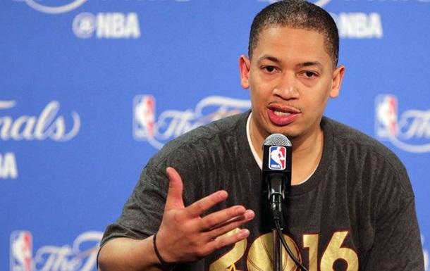 Тренер-чемпион НБА продлил контракт с клубом