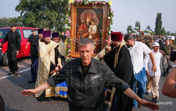 Обе колонны Крестного хода добрались до Киева