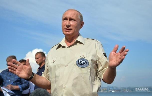 У Путина пояснили упразднение Крымского округа