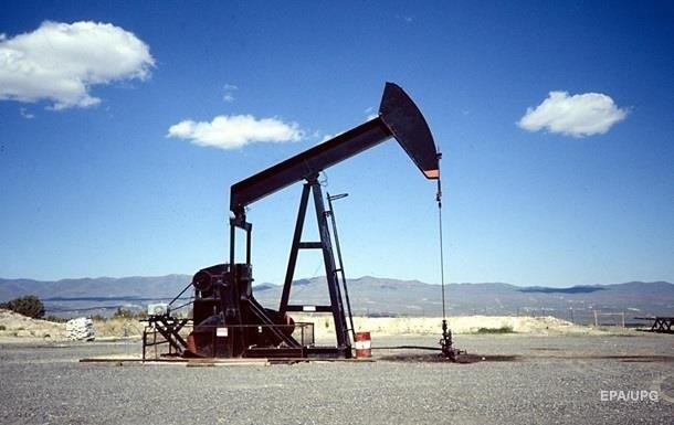 Нефть подешевела еще на доллар