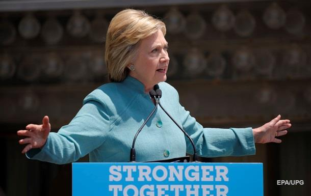 Клинтон опережает Трампа по популярности