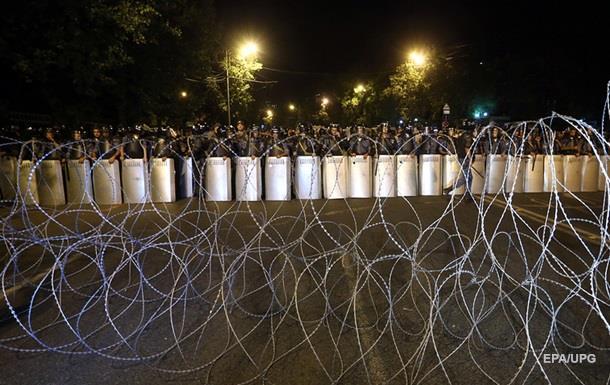 ВЕреване встычках сполицией пострадали 60, задержаны 100 человек