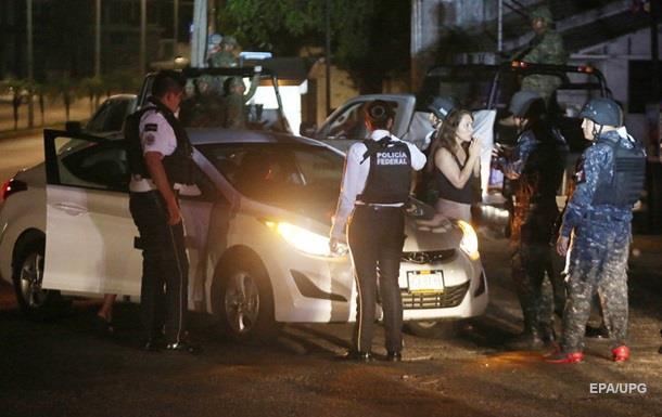 На мексиканском курорте застрелили шесть человек