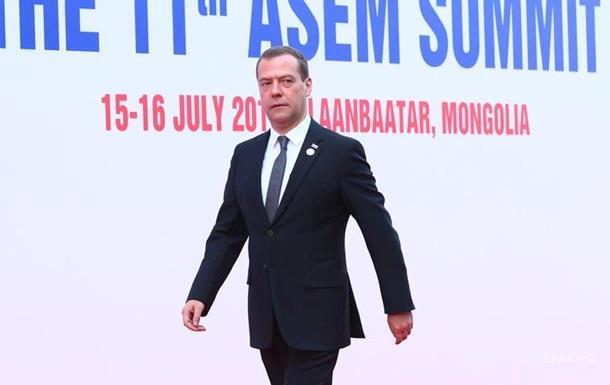 Медведев призвал власти равняться на Наполеона