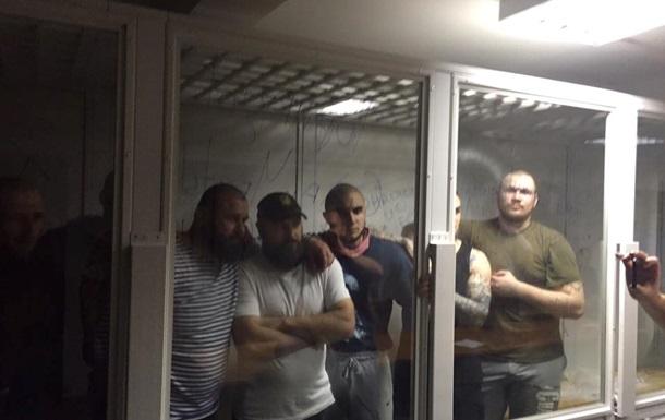 Торнадовцев  вывезли из здания Оболонского суда