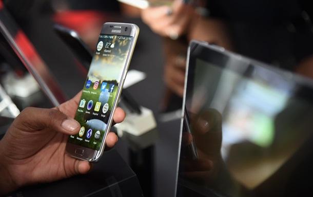 Эксперты назвали самый популярный смартфон года