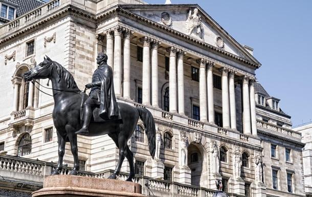 Банк Англии опустил учетную ставку до минимума за 322 года