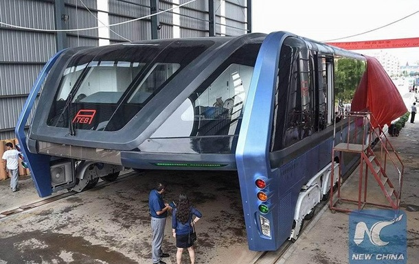 Власти Китая назвали автобус-портал обманом инвесторов