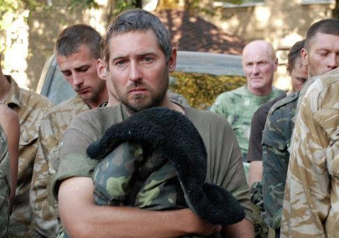 Как начинающие политики мешают освобождению пленных на Донбассе