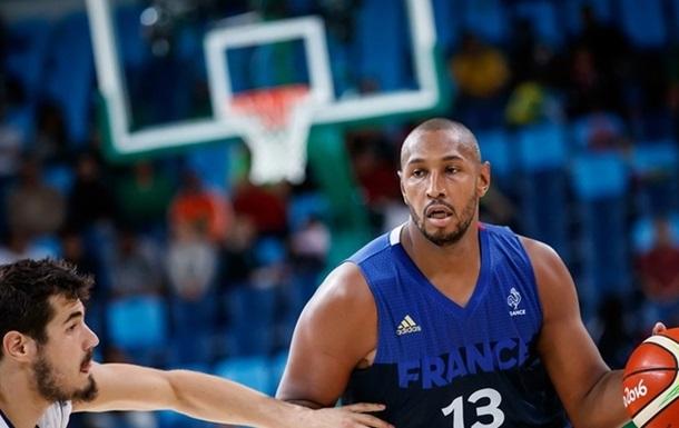 Баскетбол. Паркер приносит победу французам