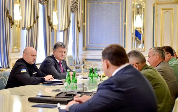 Порошенко поручил усилить боеготовность у Крыма